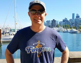 Middleton Fingers T-shirt in Vancouver
