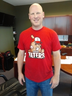 Mike Bacsik wearing the Idaho Taters t-shirt