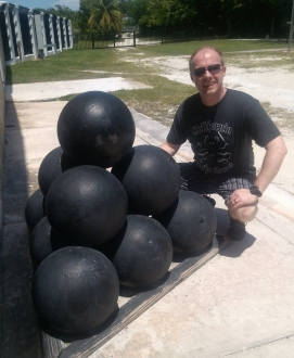 California Ocho Locos Awesome T-shirt Cannonball pic