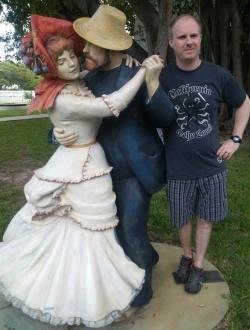 Ocho Locos Sports Logo