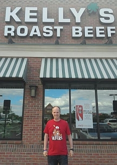 Idaho Taters t-shirt in front of Kellys Roast Beef